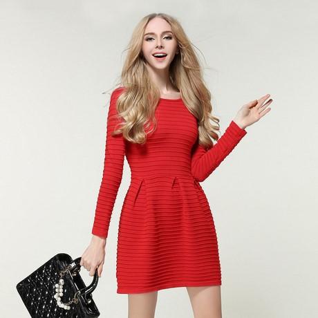 robe rouge d hiver. Black Bedroom Furniture Sets. Home Design Ideas