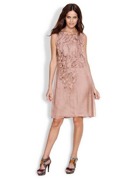 En recherche active : une robe habillée pour un mariage