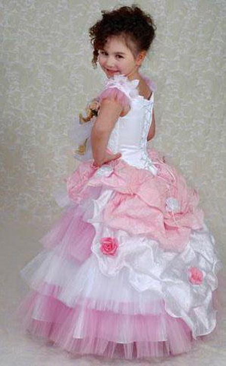 Robe de mariée pour petite fille – Photos ici