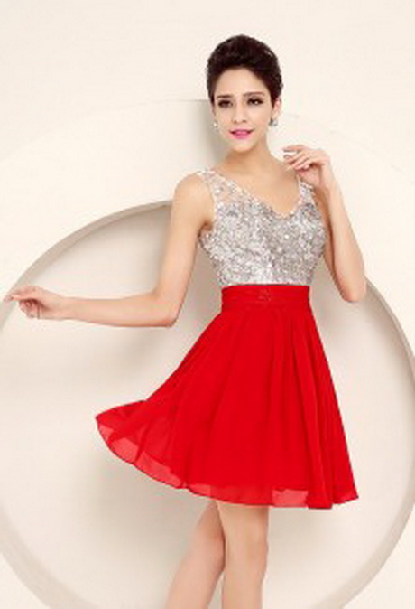 Robe rouge pour un mariage for Robes beiges pour mariage
