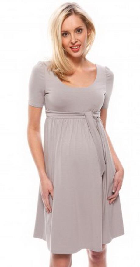 Mamma Fashion est le concept store de référence pour la grossesse et l'allaitement. Vous trouverez un large choix de vêtements grossesse et d'allaitement, de jolies robes chics et élégantes, un large choix de pantalons et de tops sans oublier de la très belle lingerie d'allaitement.