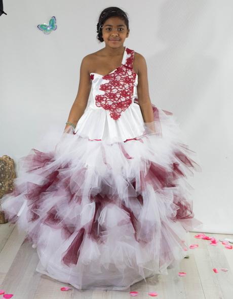 robe mariage fille 12 ans. Black Bedroom Furniture Sets. Home Design Ideas
