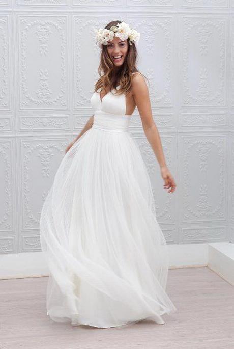 Robe de mariée simple en satin agrémentée de plis robe de mariée