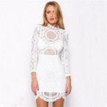 Robe blanche dentelle manches longues