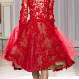 Robe cocktail dentelle rouge