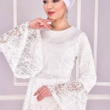 Robe dentelle blanche manches longues