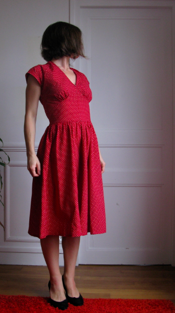 Robe rouge retro